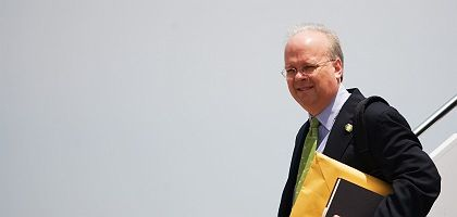 With pundits like former Bush aide Karl Rove, who needs journalists?