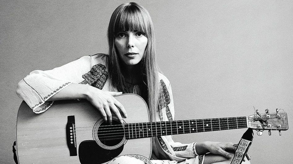 """Künstlerin Mitchell in der """"Vogue""""-Fotoproduktion 1968"""