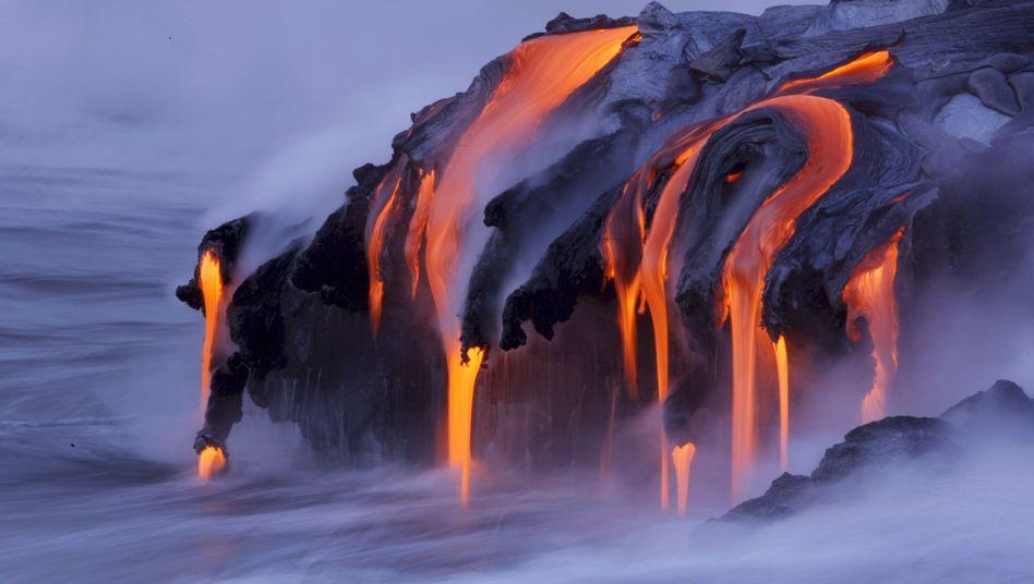 Lava am Kilauea auf Hawaii: Die Bohrung von 2005 bewies, dass eine Vulkanbohrung immer ein Vorstoß ins Unbekannte ist