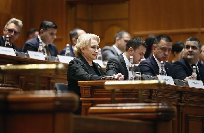 Premierministerin Viorica Dancila führt die Regierungsgeschäfte mit eingeschränkten Befugnissen kommissarisch weiter
