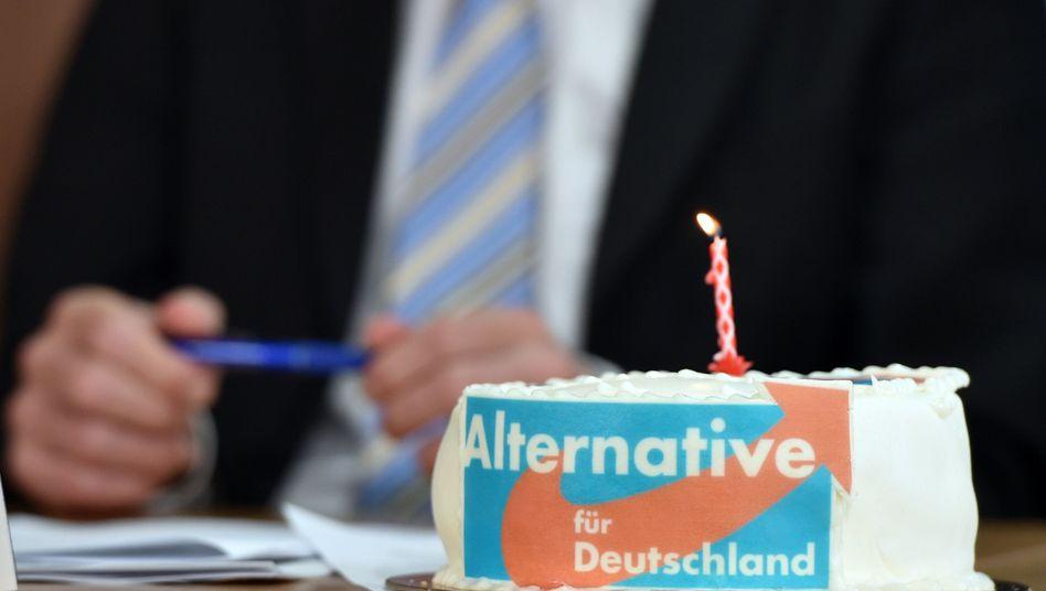 Torte mit Logo der AfD: Sezessionen das Wort reden