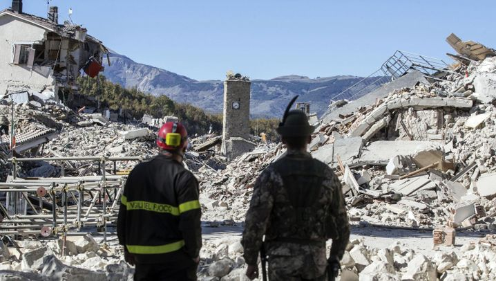 Erdbeben in Italien: Orte in Trümmern, 40.000 heimatlos