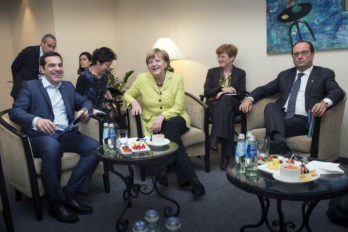 Politiker Tsipras, Merkel, Hollande (v.l.): Noch ein Termin geplant