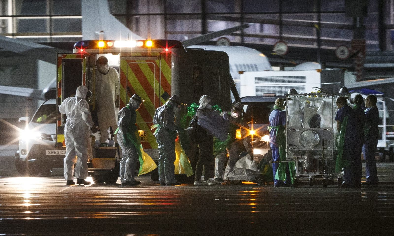 Ebola case confirmed in Scotland, victim airlifted to London