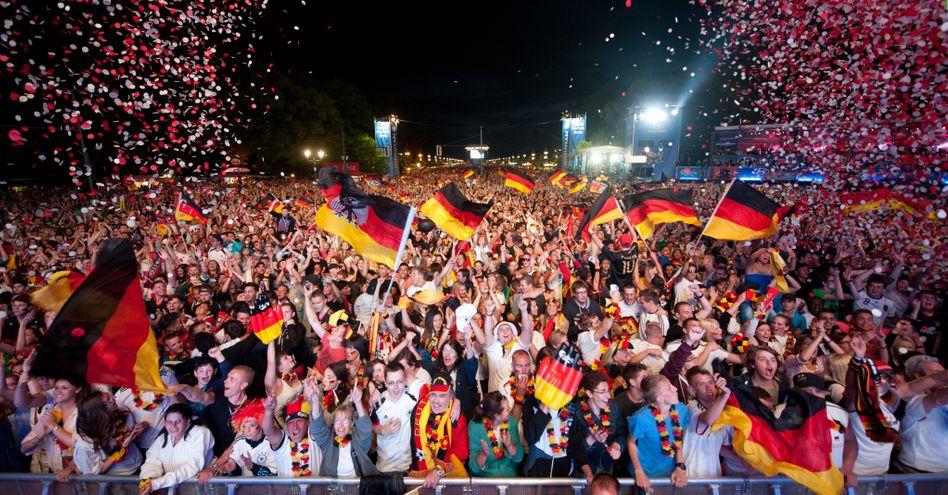 Deutsche Fußballfans: Hoffnung auf eine Heim-EM 2024