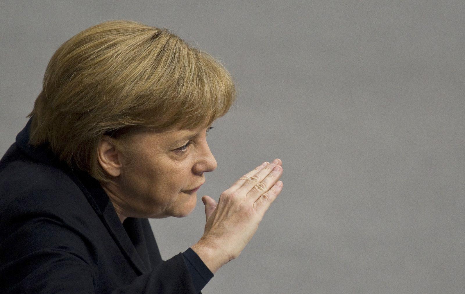 GERMANY-POLITICS-FINANCE-ECONOMY-PUBLIC-DEBT-GREECE-MERKEL