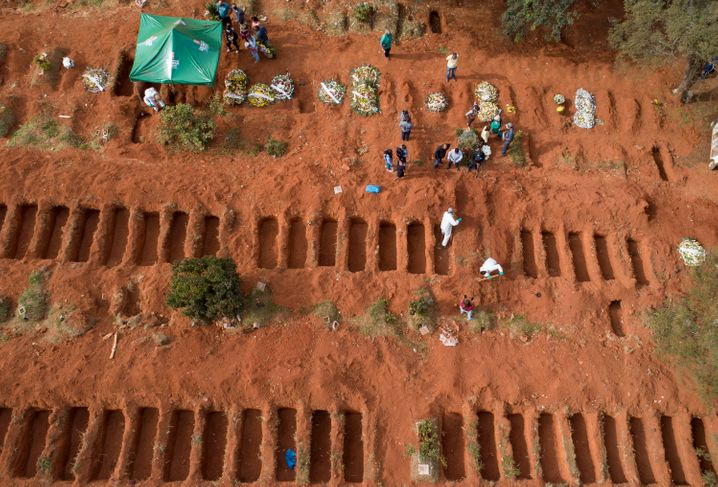 Massengrab in São Paulo: Das Coronavirus grassiert in Brasilien