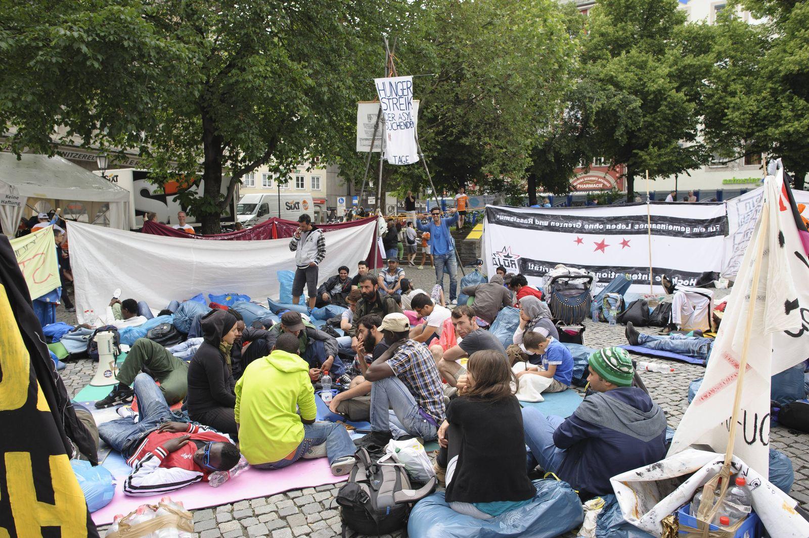 EINMALIGE VERWENDUNG Hungerstreik / Rindermarkt München