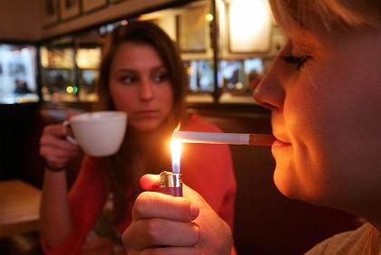 Raucher: In Deutschland raucht ein Viertel der Erwachsenen