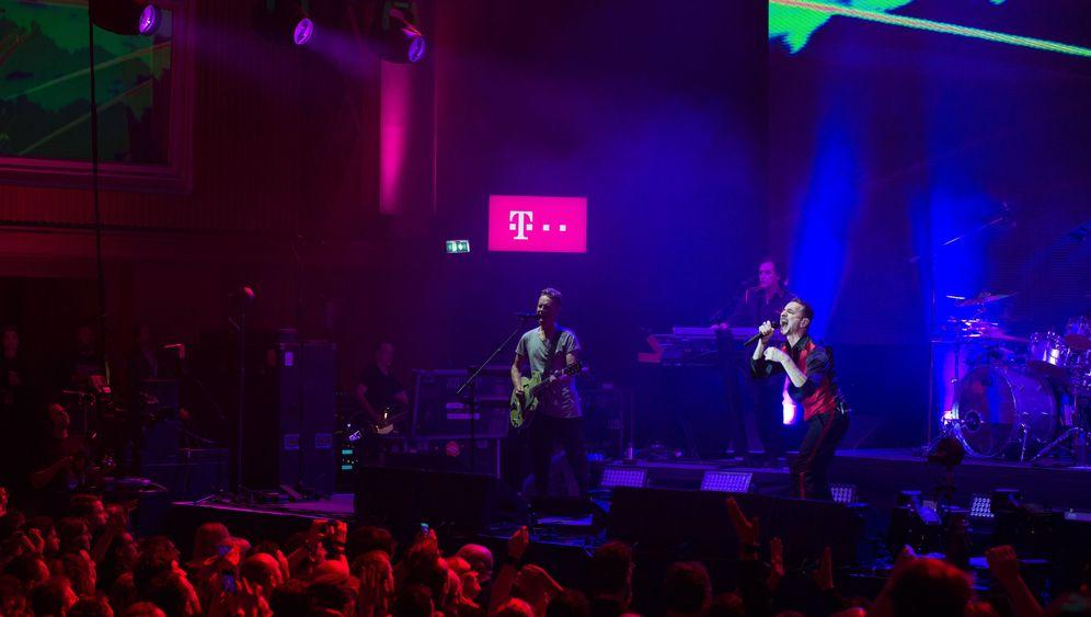 Depeche Mode in Berlin: Schwemutsvolle Andacht