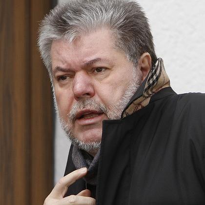 Kurt Beck auf dem Weg nach Berlin: Der SPD-Parteichef hatte am Sonntagnach zwei Wochen Krankheit die Arbeit wieder aufgenommen