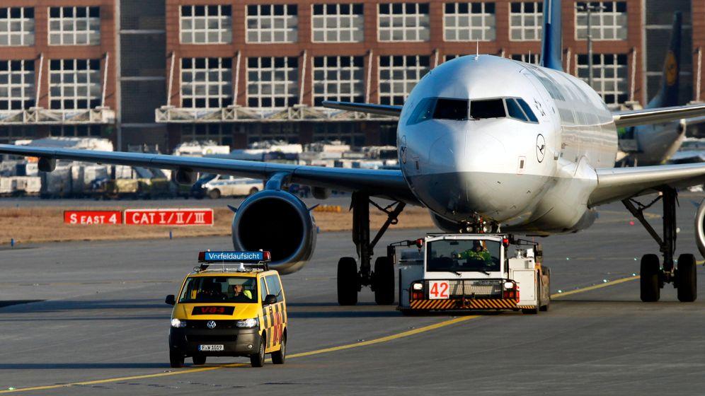 Frankfurt: 200 Mitarbeiter legen Flughafen lahm