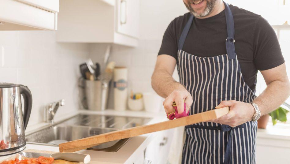 Mann in der Küche