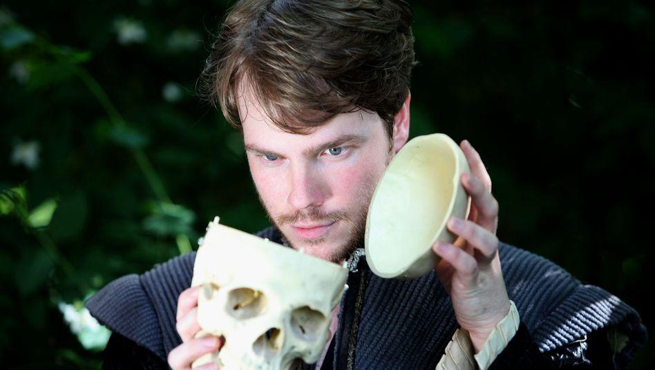 Paul Grill als Hamlet in Heidelberg: Nestbeschmutzer, der die eigene Familie anklagt