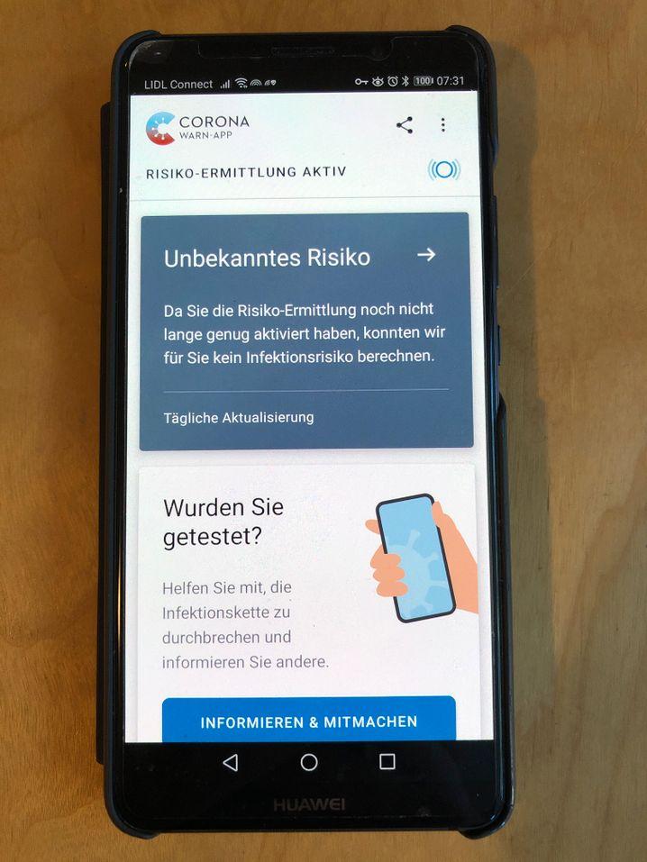 Corona-Warn-App: Frisch installiert auf einem Android-Smartphone