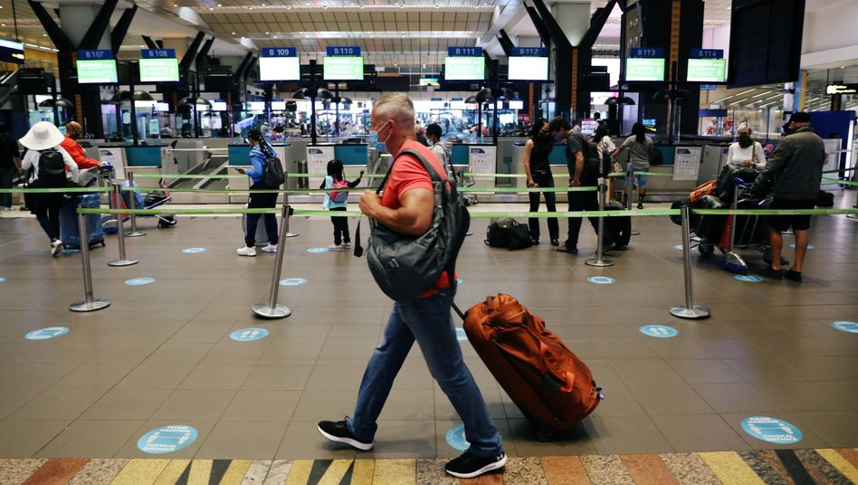 Passagier am Flughafen in Johannesburg (Archivfoto)