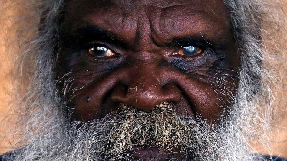 Aborigine im Arnhemland Reservat