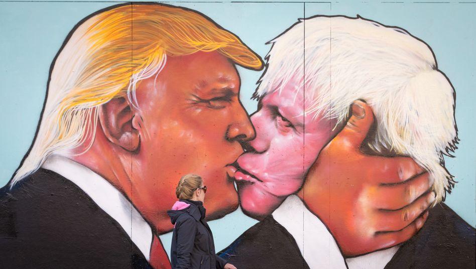 Trump und Johnson als Wandgemälde in Bristol