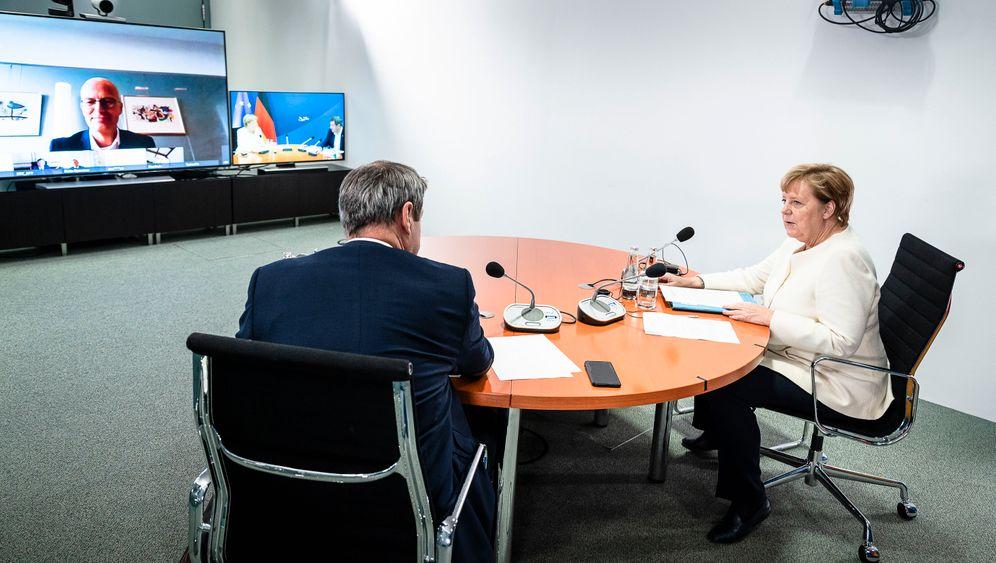 Kanzlerin Merkel wurde nach Videokonferenzen als oft »genervt« beschrieben