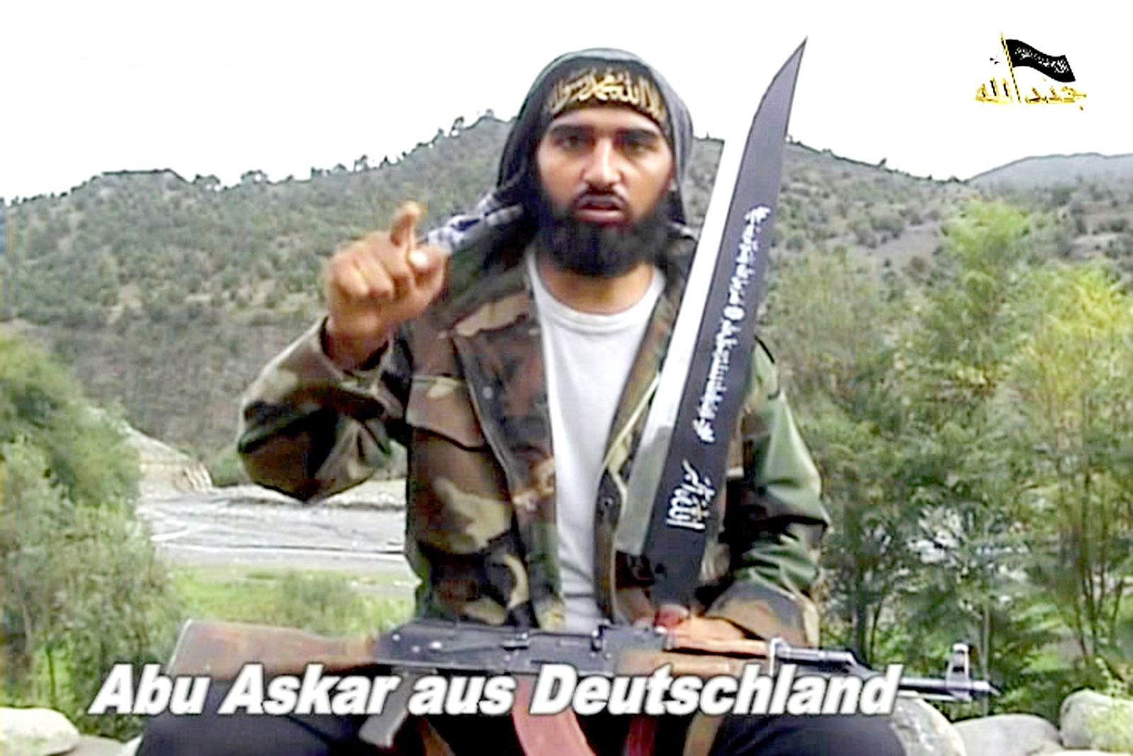 DER SPIEGEL 9/2012 pp 40 SPIN / Abu Askar