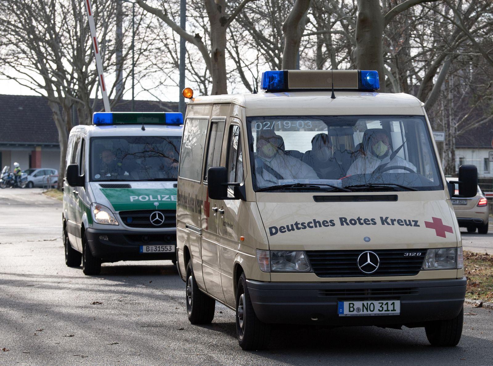 Coronavirus - Rückkehrer in Berlin gelandet