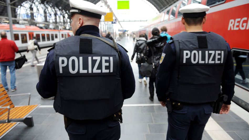 "German Federal Police at the Frankfurt train station: ""The real problem here is the law."""