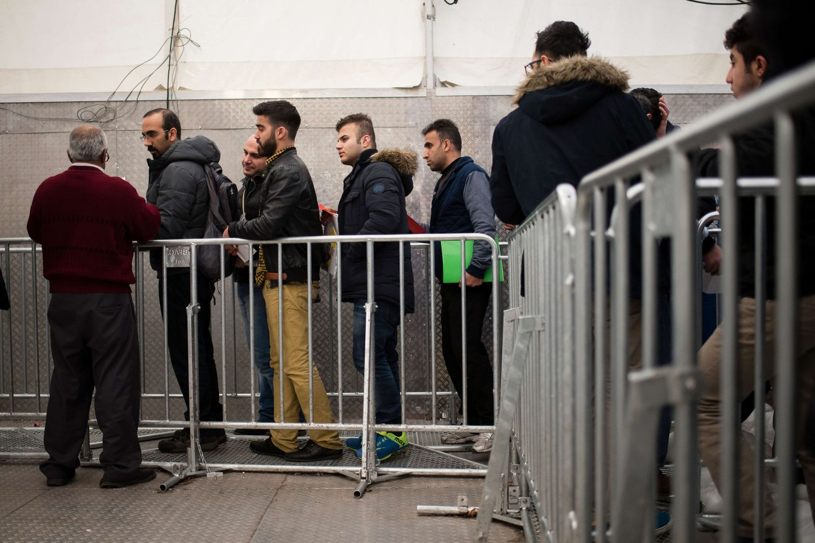 Flüchtlnge am LaGeSo in Berlin