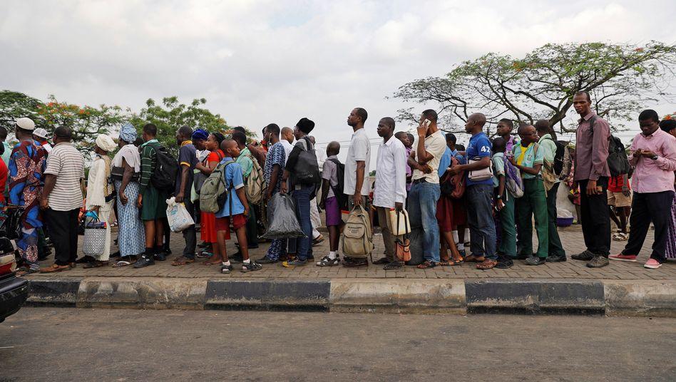 Bushaltestelle in Lagos, Nigeria
