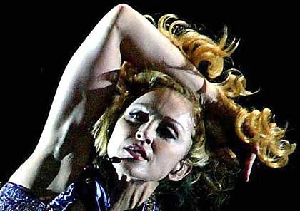 Popstar Madonna: Bei Band Aid 20 an David Bowies Stelle