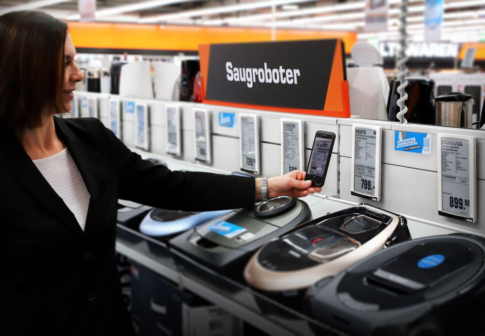 EINMALIGE VERWENDUNG SATURN Smartpay Produkterfassung mit NFC