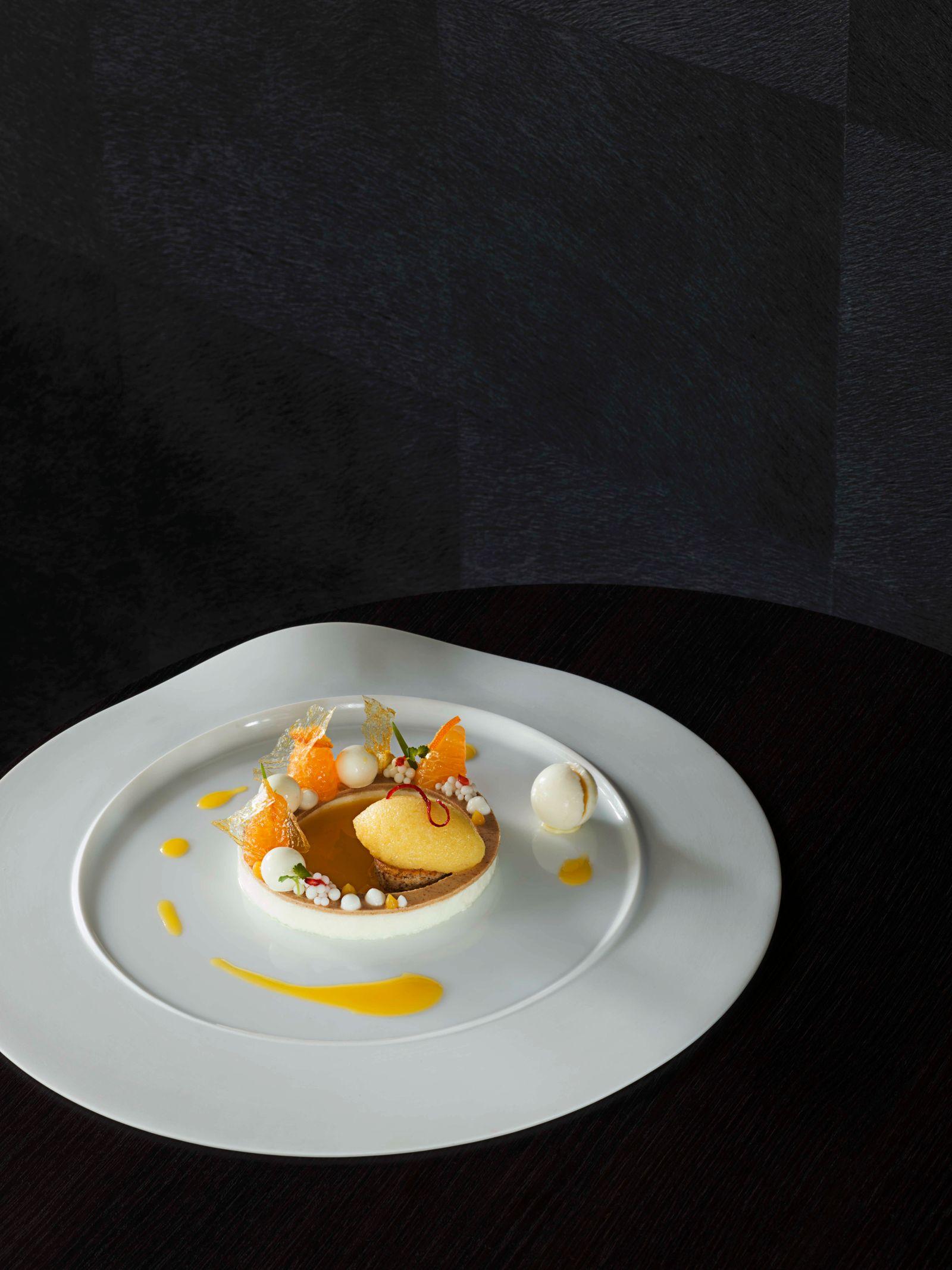 Joghurt und Salbei-Mandarinensorbet, Dessert, Restaurant 'Schanz', Piesport, Deutschland