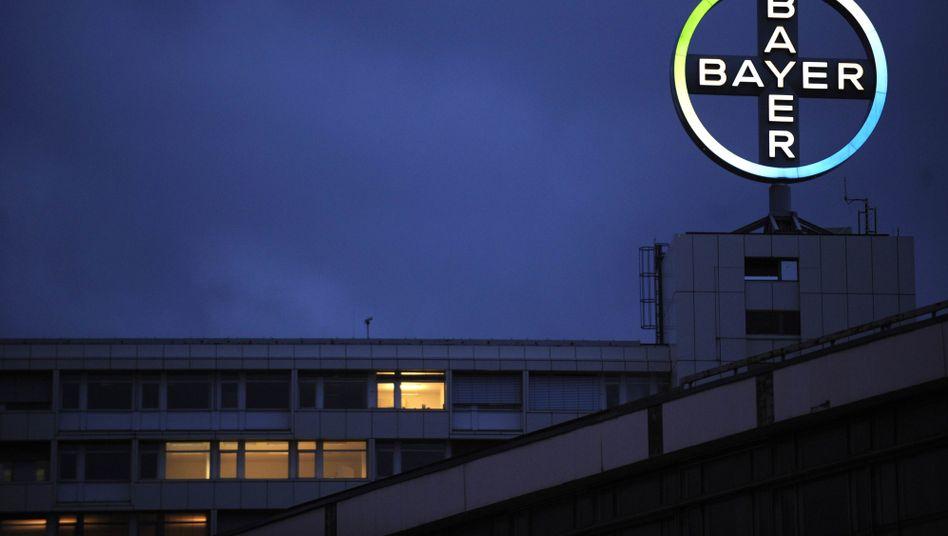 """Firmenlogo: """"Bayer-Kreuz ist weltbekannt und hat international einen erstklassigen Ruf"""""""
