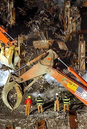 Die Aufräumarbeiten am WTC dauern immer noch an: Unter den Trümmern sollen Schätze liegen