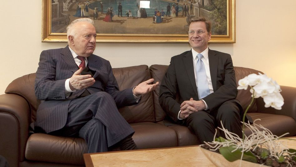 """Eduard Schewardnadse: """"Wir konnten uns nicht vorstellen, dass sich der Warschauer Pakt auflösen würde"""""""