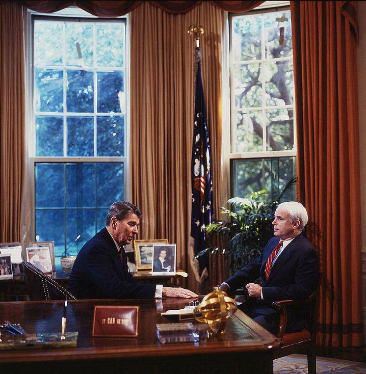 John McCain mit Ronald Reagan (1986)
