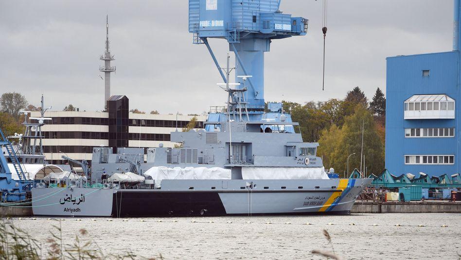 Patrouillenboot für Saudi-Arabien liegt am Ausrüstungskai auf der Peene-Werft in Wolgast