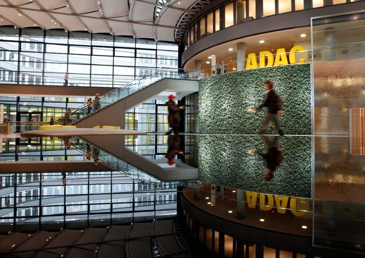 ADAC-Zentrale in München: Der Fehler fiel zuerst den Juristen des Automobilclubs auf.