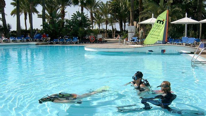 Tauchausbildung: Vom Pool ins offene Meer