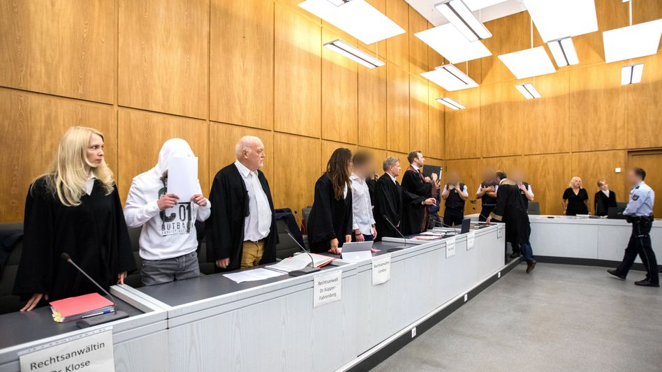 Angeklagte im Landgericht Essen