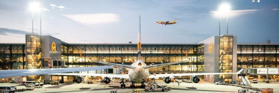 Lufthansa-Maschine auf dem Frankfurter Flughafen