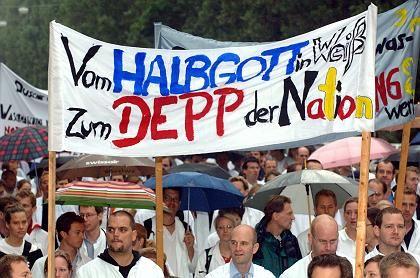 Demonstrierende Klinikärzte in München