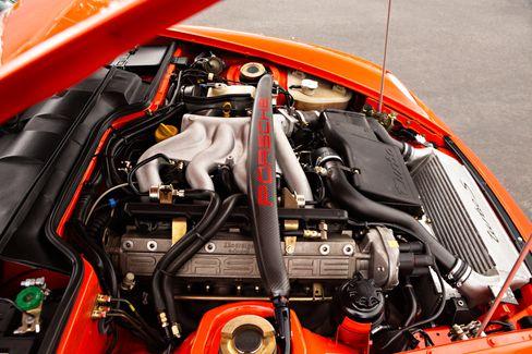 Der Dreiliter-Vierzylinder im 968 Turbo S leistet stolze 305 PS