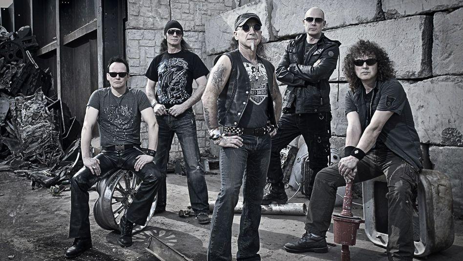 Metal-Band Accept: Ein Fan der Kraftmusiker entdeckte den Twitter-Bug