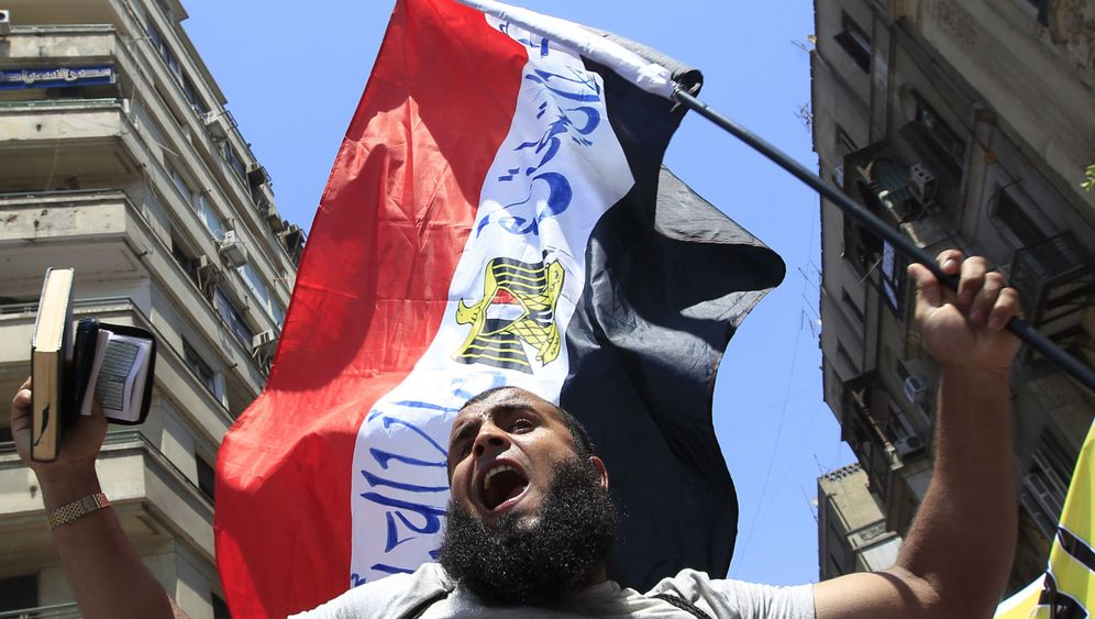 Photo Gallery: The Advance of the Salafists