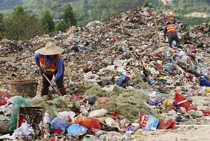Müllkippe im Osten Chinas: Plastiktüten sollen künftig wiederverwertbar sein