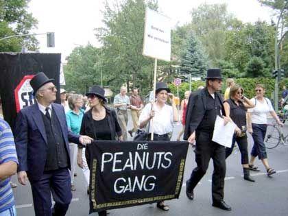 Geld zu verteilen: Peanuts