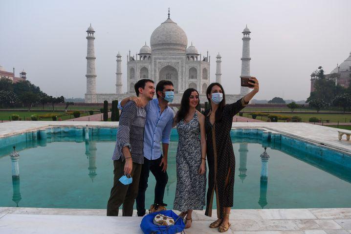 Das Taj Mahal wird üblicherweise von rund acht Millionen Touristen jährlich besucht