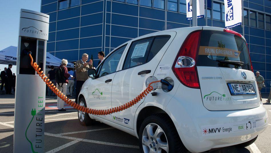 Ladestation: In der EU passt bald jeder elektrische Zapfhahn