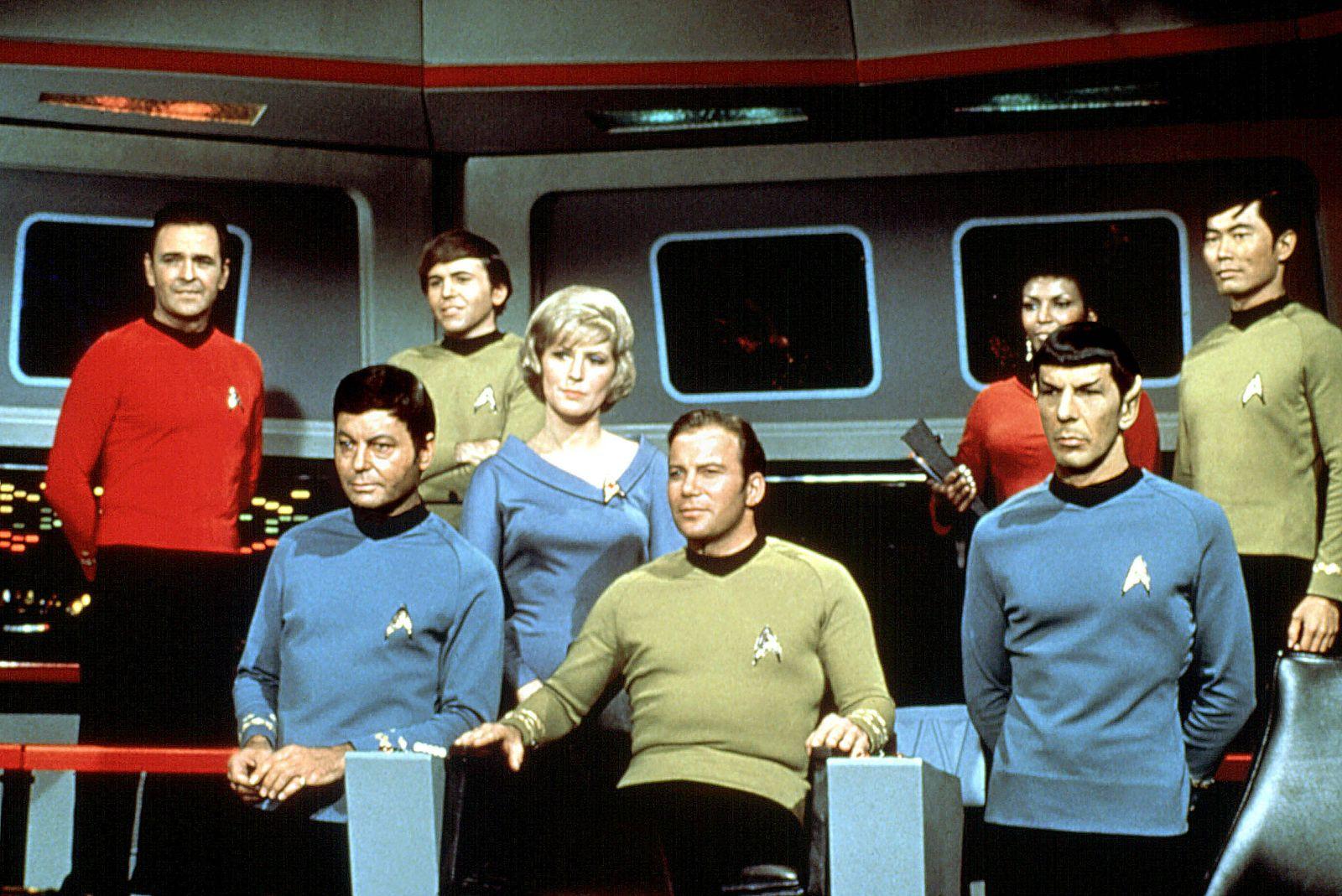 STAR TREK, James Doohan, DeForest Kelley, Walter Koenig, Majel Barrett, William Shatner, Nichelle Nichols, Leonard Nimoy