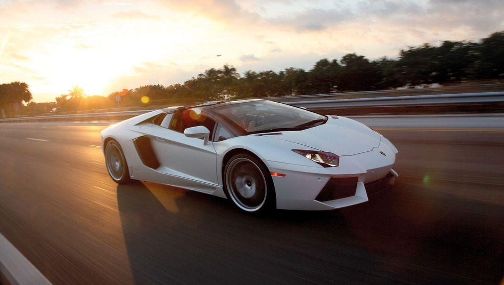 Autogramm Lamborghini Aventador Roadster: Flacher fliegen